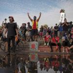 """Piñera anuncia una propuesta de """"agenda social"""" en respuesta a las multitudinarias protestas en Chile"""